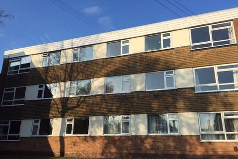 2 bedroom apartment to rent - Court Oak Road, Harborne, Two Bed Top Floor Flat - B17 9TH - With in walking distance to Harborne Village