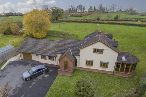 3 bedroom detached house for sale - Treflach