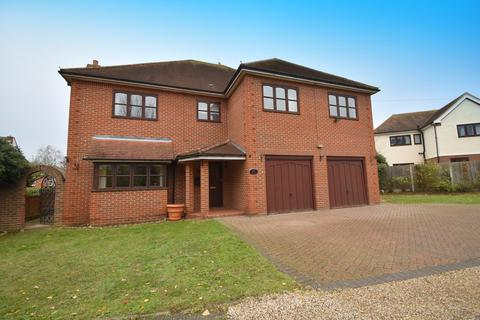 5 bedroom detached house to rent - Green Close, Chelmsford