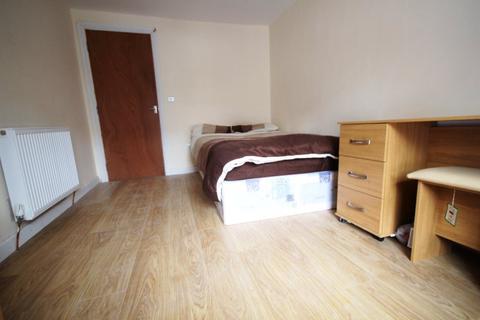4 bedroom flat to rent - 4 double bed Flat Bridge Street