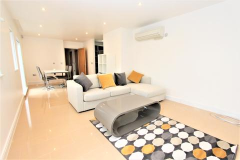 2 bedroom penthouse to rent - Lower Canal Walk, Southampton, SO14