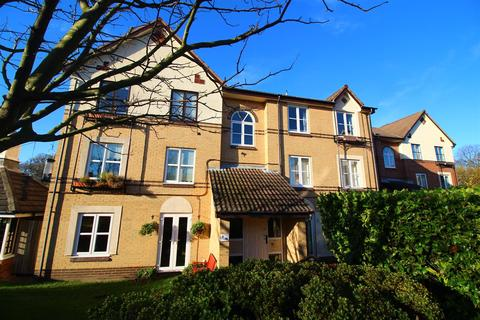 2 bedroom flat for sale - Hazeldene Court, Tynemouth