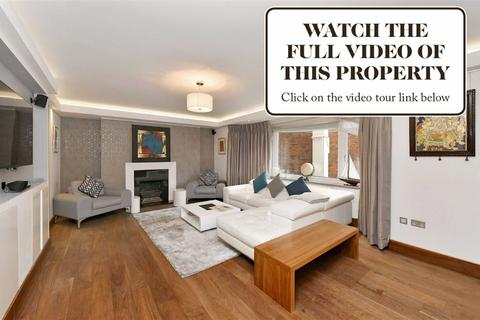 3 bedroom flat for sale - Bentinck Close, London, NW8