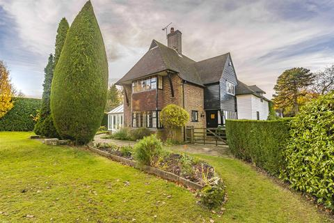 5 bedroom detached house for sale - Bouverie Road, Chipstead, Coulsdon