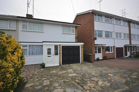 3 bedroom semi-detached house to rent - Mews Court, Chelmsford, Essex, CM2