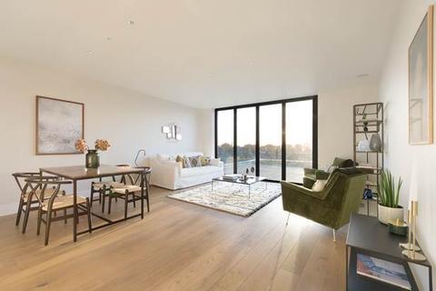 3 bedroom flat for sale - Salusbury Road, London, NW6