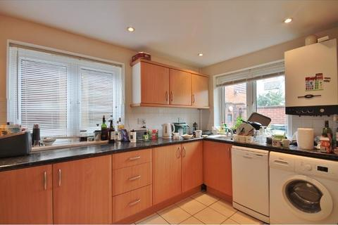 3 bedroom flat to rent - Cowley Road, Oxford, OX4 1UT