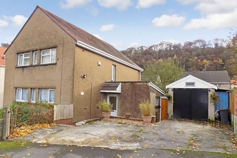 2 bedroom flat for sale - Heol Dyddwr , Tonna, Neath, Neath Port Talbot. SA11 3PZ