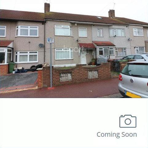 3 bedroom terraced house to rent - Dagenham