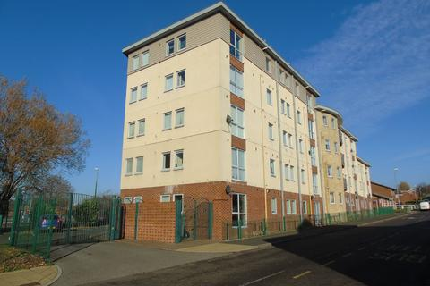 2 bedroom flat for sale - Derwentwater Road, Gateshead, Tyne and Wear, NE8 2SB