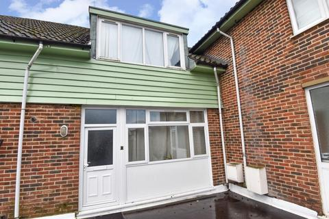 2 bedroom apartment to rent - Chenies Parade, Little Chalfont, HP7