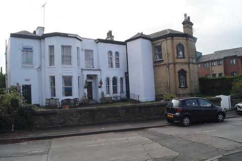 Guest house to rent - Newton Avenue, Manchester, M12