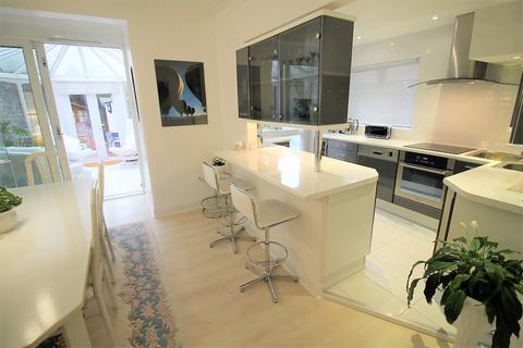 2 bedroom semi-detached house for sale -  Cedar Road,  Romford, RM7