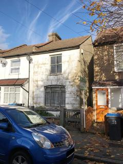 2 bedroom end of terrace house for sale - 26 Boston Road, Croydon, Surrey