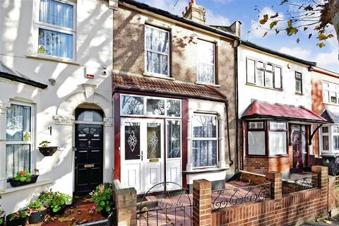 2 bedroom terraced house for sale - New City Road, Plaistow, London