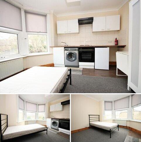 Studio to rent - Church Lane, Hornsey