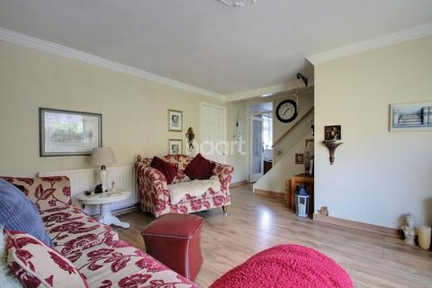 3 bedroom terraced house for sale - Maydells, Basildon