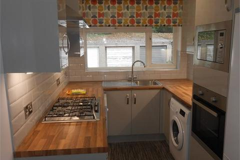 2 bedroom apartment to rent - Ffynone Close, Swansea, Swansea, SA1 6DA