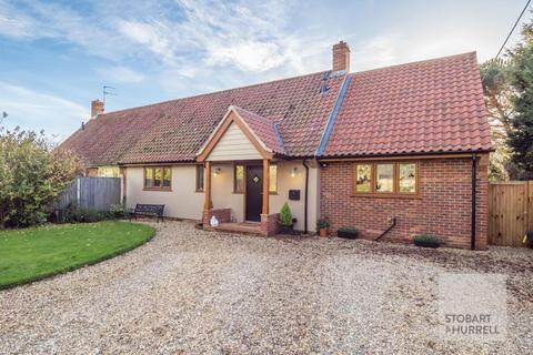 3 bedroom semi-detached bungalow for sale - Rectory Road, Horstead, Norfolk, NR12 7EP