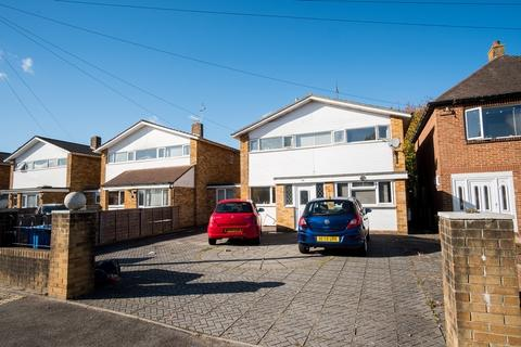 5 bedroom semi-detached house to rent - Talbot Drive