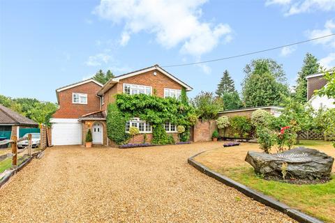 5 bedroom detached house for sale - Paynesfield Road, Tatsfield, Westerham