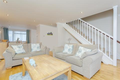 2 bedroom maisonette for sale - Woodmansterne Lane, Banstead