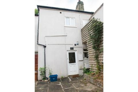 8 bedroom property to rent - 18 Lawson Road (AB), Broomhill