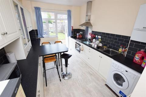 4 bedroom house share to rent - Colwyn Road, Northampton, NN1