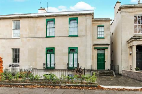 5 bedroom house for sale - Priory Street, Cheltenham