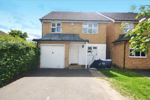 4 bedroom detached house to rent - Hillary Drive, Isleworth
