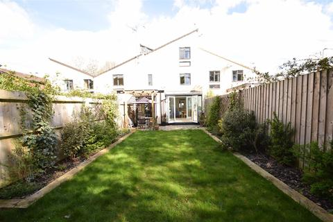 4 bedroom townhouse to rent - Field View, Caversham, Reading
