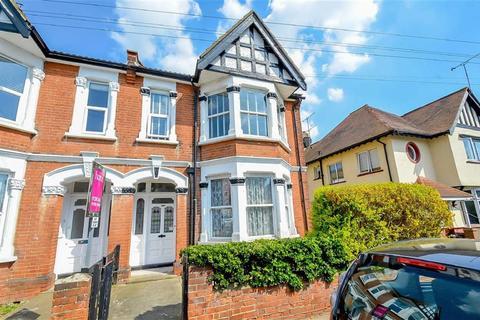 2 bedroom flat for sale - Elm Road, Leigh-on-sea, Essex