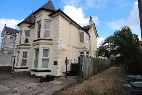 1 bedroom flat to rent - New Road