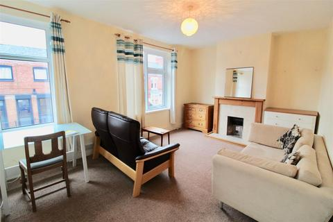 3 bedroom apartment to rent - Clarendon Park Road, Leicester