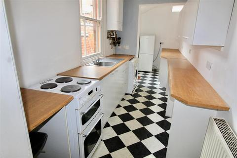 3 bedroom terraced house to rent - Lorne Road, Leicester