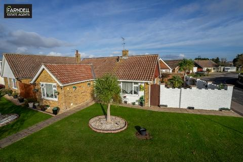 2 bedroom detached bungalow for sale - Leonora Drive, Nyetimber, Bognor Regis, West Sussex. PO21 3NH