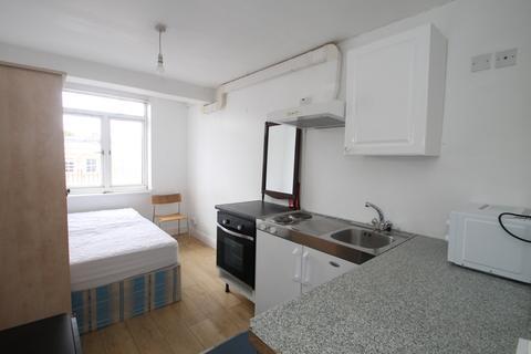 Studio to rent - Kember Street, Islington, London, N1
