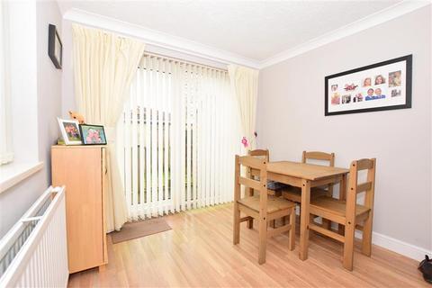 3 bedroom semi-detached house for sale - Newlands, Ashford, Kent