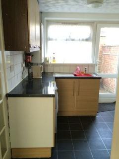 3 bedroom house share to rent - Forsythia Gardens, Lenton, Nottingham, Nottinghamshire, NG7