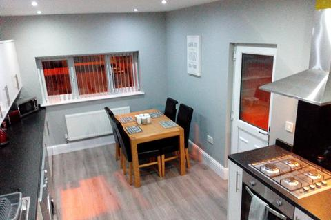 7 bedroom house share to rent - 7 Bed - Elm Vale, L6