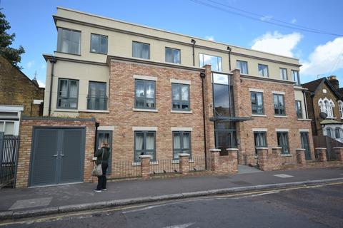 1 bedroom apartment to rent - Stainforth Road, London