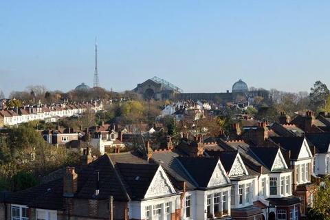 3 bedroom semi-detached house for sale - Muswell Hill