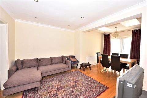 4 bedroom terraced house to rent - Selborne Gardens, Perivale, UB6