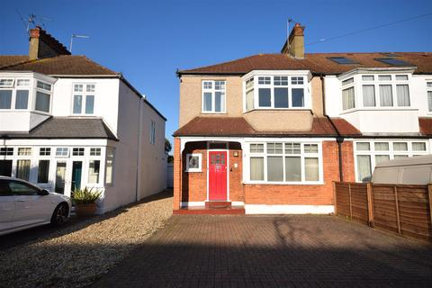 3 bedroom house for sale - FANTASTIC BLANK CANVAS WITH GREAT POTENTIAL TO EXTEND S.T.P.P