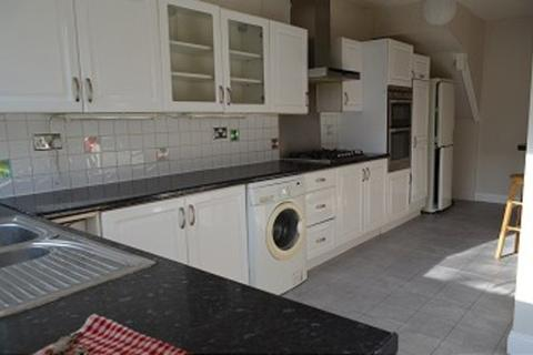 3 bedroom house to rent - Mitchell Road, Palmers Green