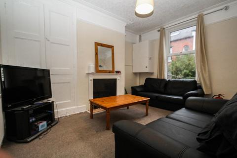 5 bedroom semi-detached house to rent - ALL BILLS INCLUDED DELPH MOUNT