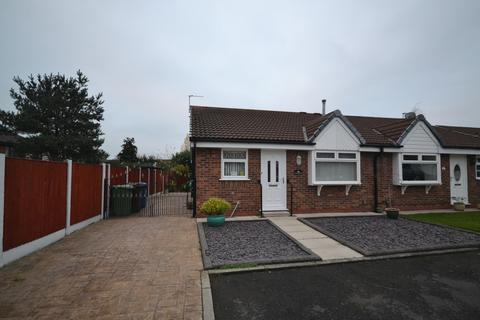 2 bedroom semi-detached bungalow for sale - Chiltern Way, Astley, Manchester