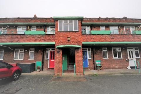 1 bedroom apartment for sale - Five Elms Road, Dagenham