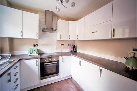 3 bedroom terraced house to rent - 61 Farm Hill
