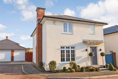 3 bedroom detached house for sale - Kelso Close, Rayleigh